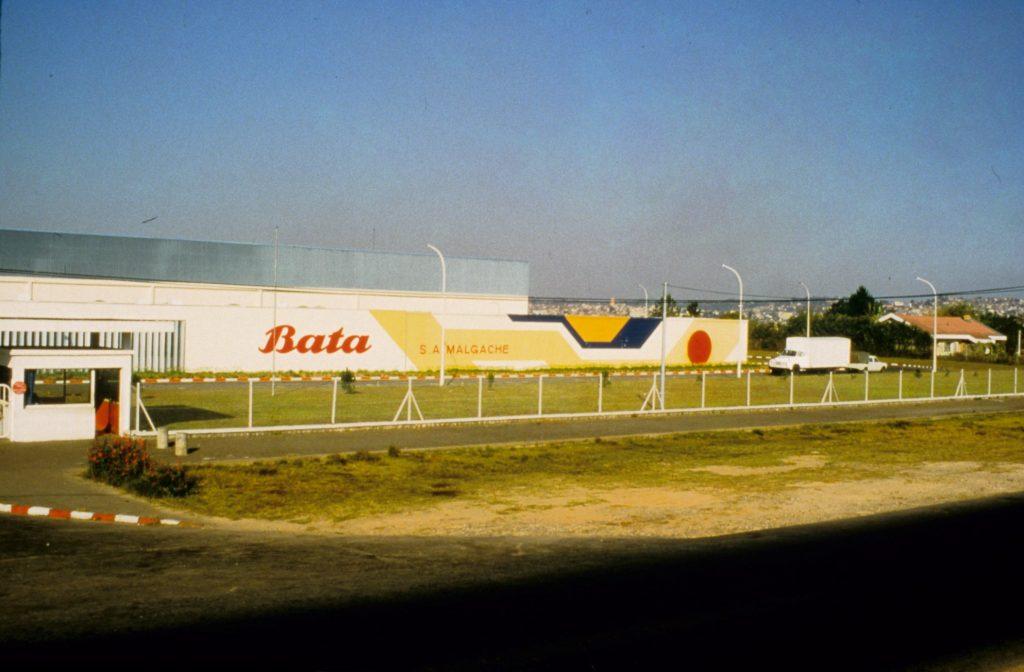 Továrna společnosti Bata S. A. Malgache na Madagaskaru